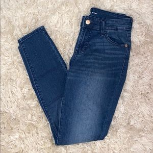 jeans no rips